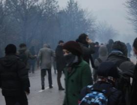 Öğrencilerin gözaltına alınmasını protesto