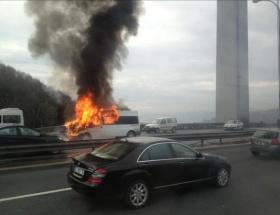 FSMde minibüs alev alev yandı