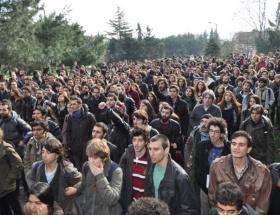 İTÜde rektörleri protesto ettiler