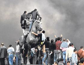 Devrim ateşi Ermenistana sıçradı!