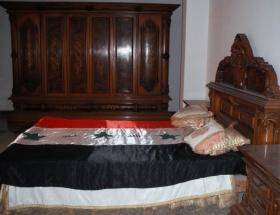 Saddamın mezarı türbe oldu !