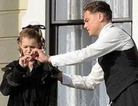DiCapriodan sigara içme dersi!