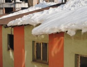 Bingölde okullar yarın da tatil edildi