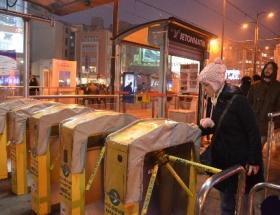 Tramvay yolcularına turnike sürprizi
