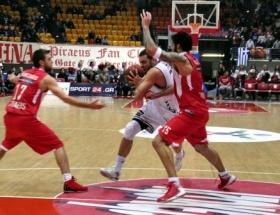 Olympiacos 77 - 64 Beşiktaş
