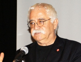 Ahmet Hakanı bombaladı