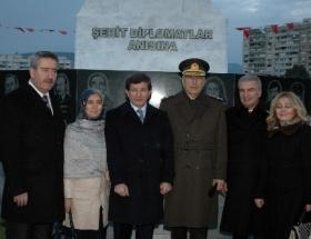 Şehit diplomatlar törenle anıldı