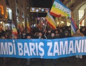 İstiklal Caddesinde barış yürüyüşü