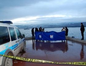 Köprüden Karadenize atlayan genç bulunamadı