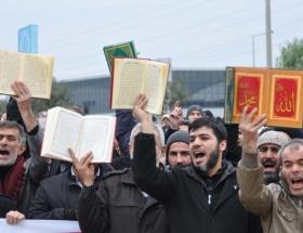 ABD Konsolosluğunda Kuranlı protesto