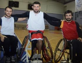 Galatasaray 76 - 63 Beşiktaş RMK Marine