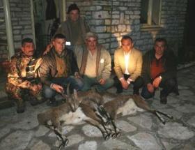 Amatör avcılar dağda mahsur kaldı