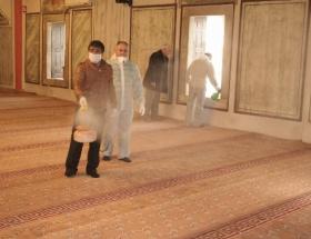 Camiler gribe karşı dezenfekte ediliyor