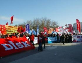 Protestocu işçiler geldi, konser bitti