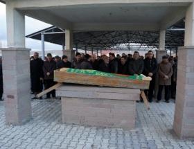 Kuzenlerin cenazesi yan yana kılındı