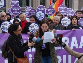 Pınar Selek için Strasbourg Üniversitesinde eylem