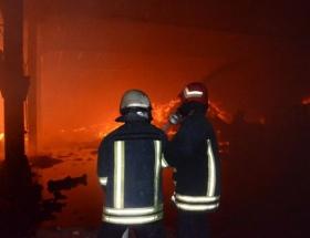 Fabrika yangını 10 saat sonra kontrol altında
