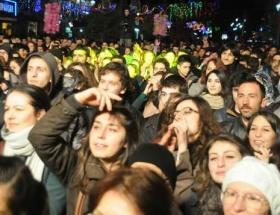 Sevgililer Gününde sokak partisi