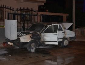 Adanada bir araç kundaklandı