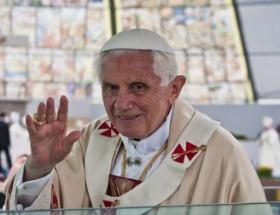 Artık Emerit Papa diye anılacak