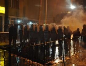 Elazığda BDP seçim bürosuna taşlı saldırı