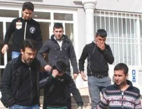 Polise taşlı saldırıya 4 tutuklama