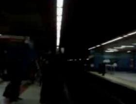 Metroda korku dolu anlar