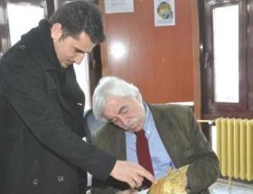 Cengiz Çandar, konferansa Kürtçe başladı
