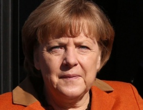 Merkelden Türkiyeye sıcak mesajlar
