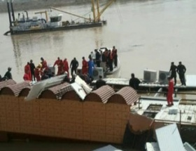 Yüzen restaurant battı: 8 ölü