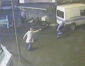 Kızına tecavüz edeni bıçaklayıp dakikalarca dövdü