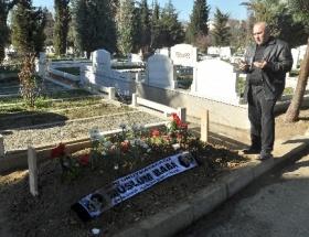 Müslüm Gürsesin mezarlığına ziyaretçi akını