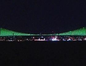 İstanbul Boğazına yeşil silüet