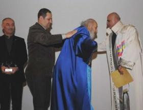 Ara Gülere fahri doktora verildi