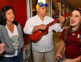 Chavezin ölümüyle coştular!