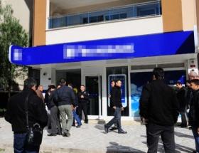 İzmirde silahlı banka soygunu