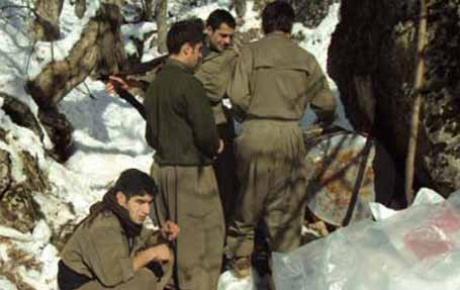 Heyelan altında kalan 4 PKKlı öldü