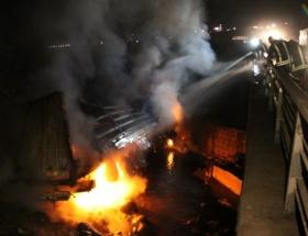 Şarampolde alev alev yandı
