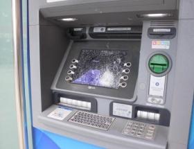 Hıncını ATMden çıkardı