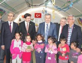 Suriyeli sığınmacıları ziyaret ettiler