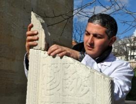 Şah Hatunun mezar taşı yerine konuldu