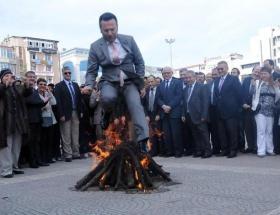 Nevruz ateşi Samsunda da yandı