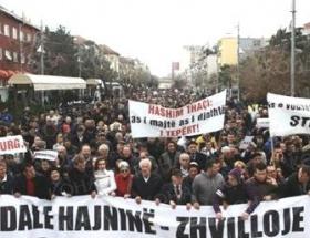 Priştinede fatura protestosu