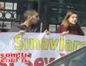 ÖSYM önünde zincirli protesto