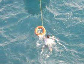 Yamaç paraşütçüsünü polis kurtardı