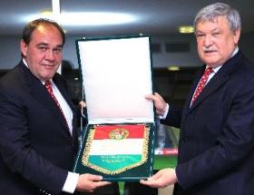 Türkiye-Macaristan maç yemeği yenildi