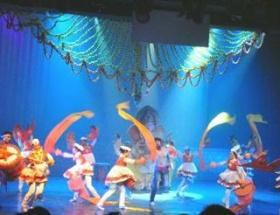 Adanada Bollywood rüzgarı esti