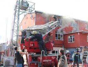 Avcılarda 4 katlı atölyede yangın