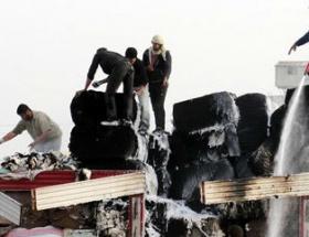 Pamuk yüklü kamyon alev alev yandı