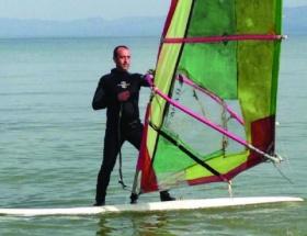 İznik Gölünde su sörfü